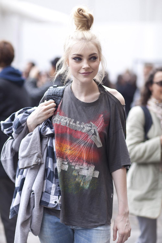 jessica stam metallica shirt
